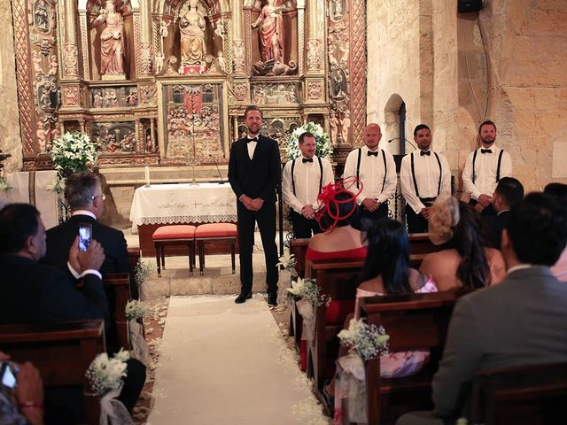 La boda de Fredinand y Ninoshka en Altafulla, Tarragona 13