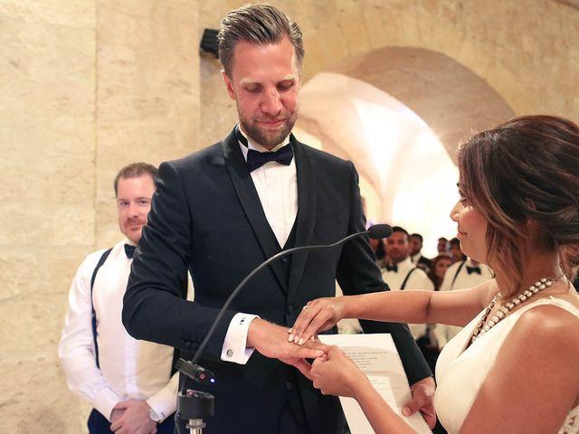 La boda de Fredinand y Ninoshka en Altafulla, Tarragona 22