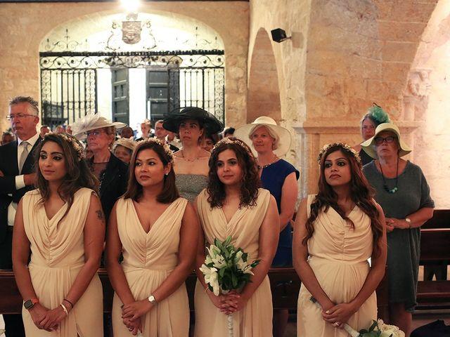 La boda de Fredinand y Ninoshka en Altafulla, Tarragona 23