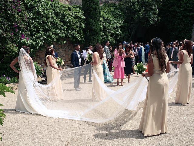 La boda de Fredinand y Ninoshka en Altafulla, Tarragona 29