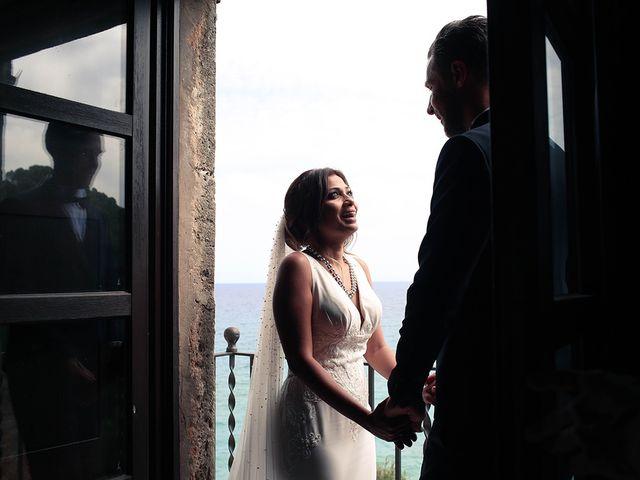 La boda de Fredinand y Ninoshka en Altafulla, Tarragona 35