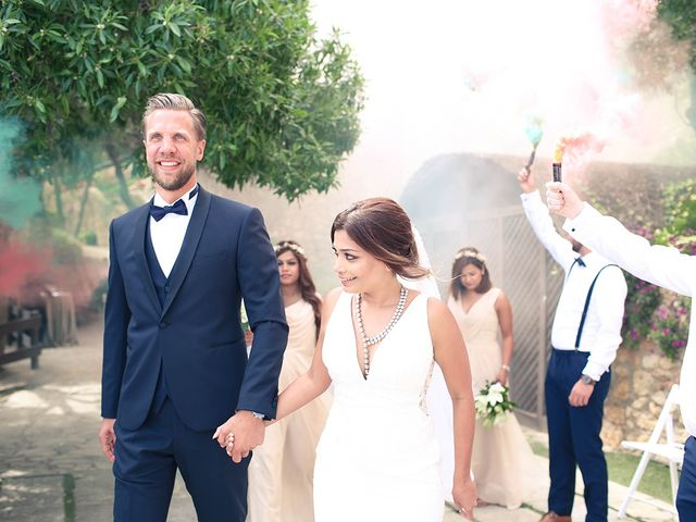 La boda de Fredinand y Ninoshka en Altafulla, Tarragona 39