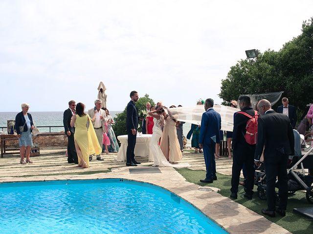 La boda de Fredinand y Ninoshka en Altafulla, Tarragona 40