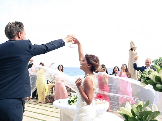 La boda de Fredinand y Ninoshka en Altafulla, Tarragona 42