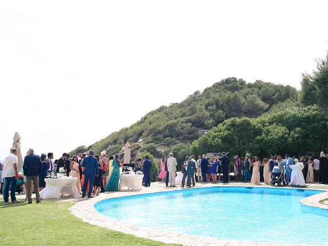 La boda de Fredinand y Ninoshka en Altafulla, Tarragona 43