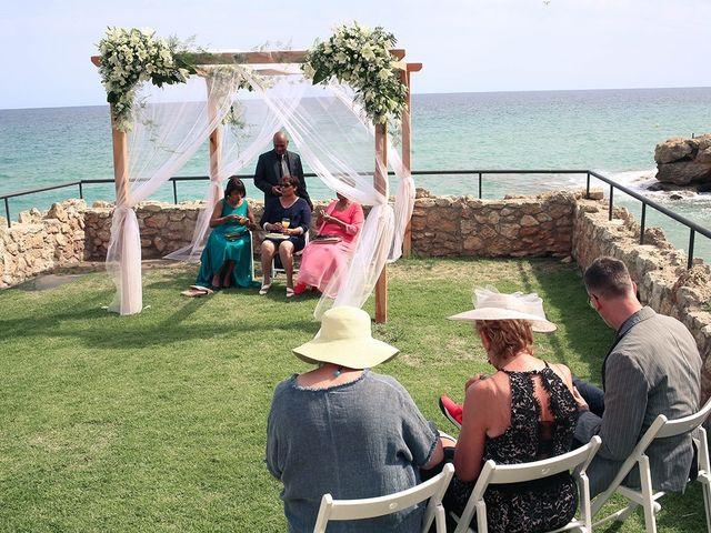La boda de Fredinand y Ninoshka en Altafulla, Tarragona 44