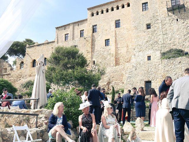 La boda de Fredinand y Ninoshka en Altafulla, Tarragona 45