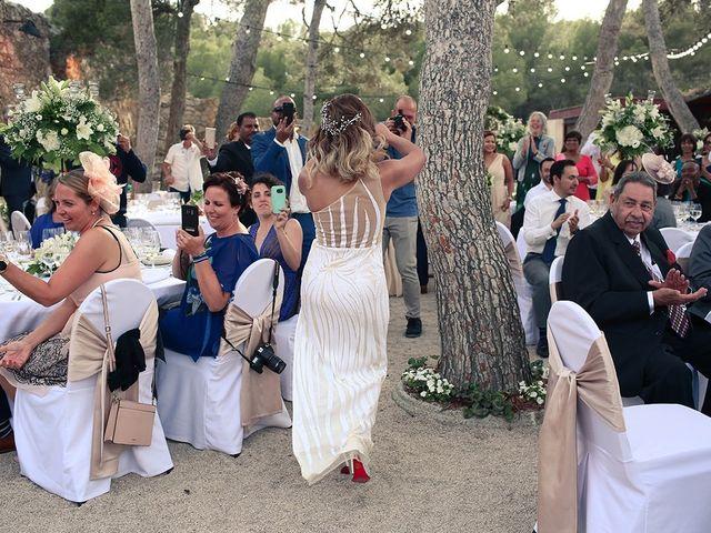 La boda de Fredinand y Ninoshka en Altafulla, Tarragona 49