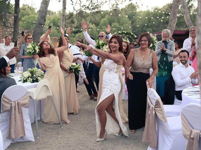 La boda de Fredinand y Ninoshka en Altafulla, Tarragona 50