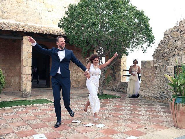 La boda de Fredinand y Ninoshka en Altafulla, Tarragona 52