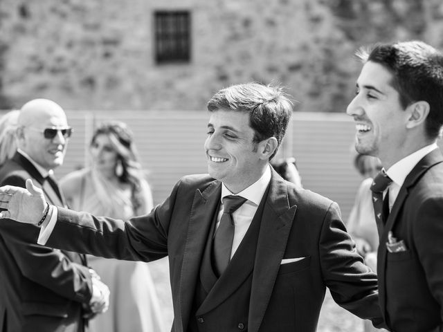 La boda de Cristina y Santi en Cáceres, Cáceres 19