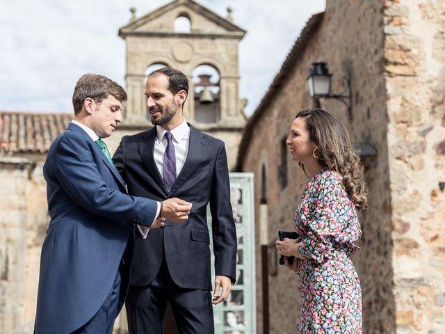 La boda de Cristina y Santi en Cáceres, Cáceres 20