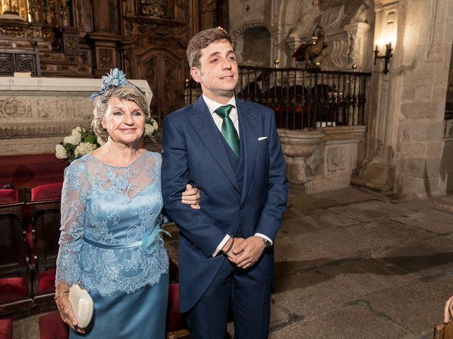 La boda de Cristina y Santi en Cáceres, Cáceres 25