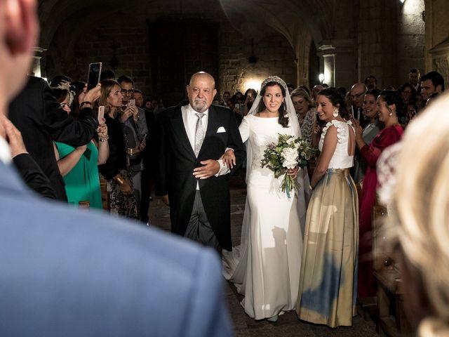 La boda de Cristina y Santi en Cáceres, Cáceres 26