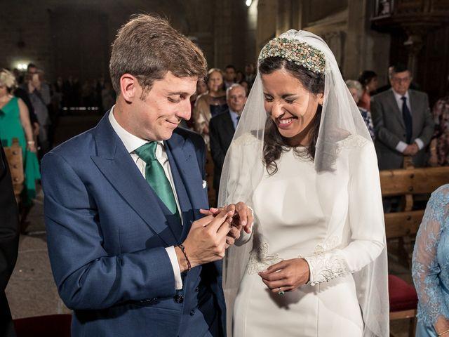 La boda de Cristina y Santi en Cáceres, Cáceres 27