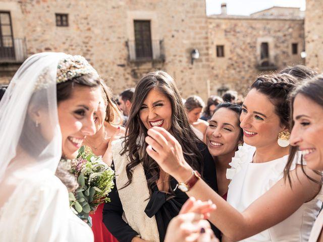 La boda de Cristina y Santi en Cáceres, Cáceres 32