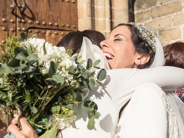 La boda de Cristina y Santi en Cáceres, Cáceres 34