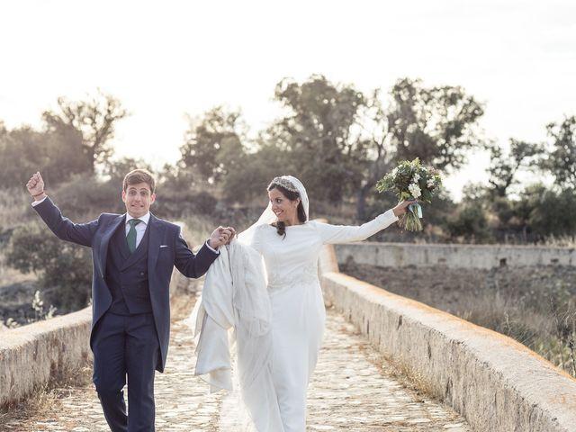 La boda de Cristina y Santi en Cáceres, Cáceres 37