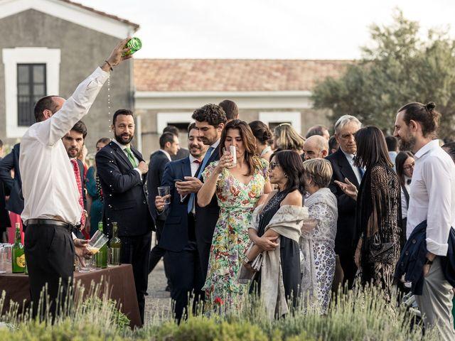 La boda de Cristina y Santi en Cáceres, Cáceres 39