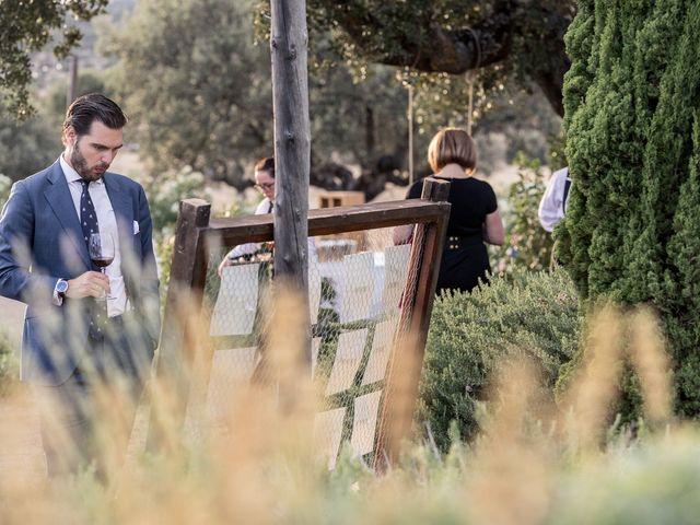La boda de Cristina y Santi en Cáceres, Cáceres 48