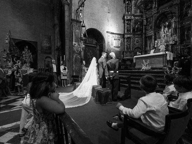 La boda de Jose Miguel y Isabel en Tomares, Sevilla 48