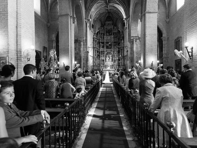 La boda de Jose Miguel y Isabel en Tomares, Sevilla 50