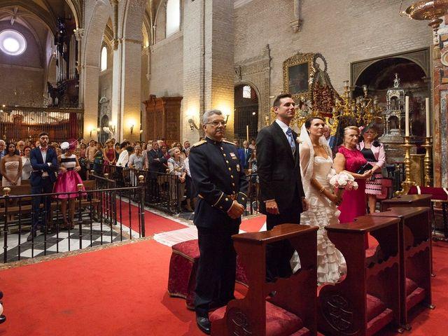La boda de Jose Miguel y Isabel en Tomares, Sevilla 51