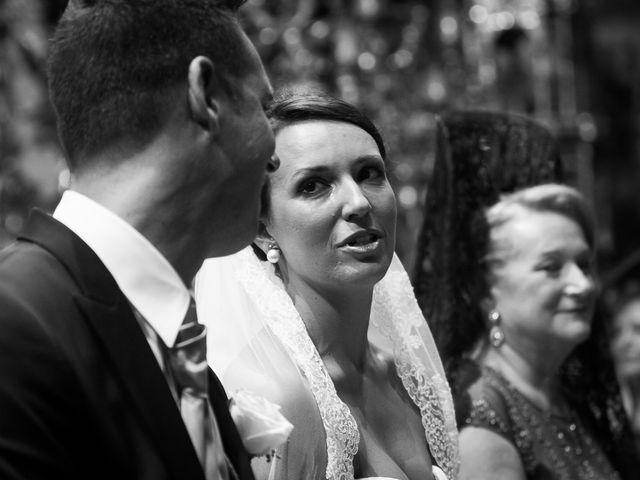 La boda de Jose Miguel y Isabel en Tomares, Sevilla 54