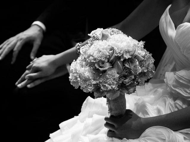 La boda de Jose Miguel y Isabel en Tomares, Sevilla 57