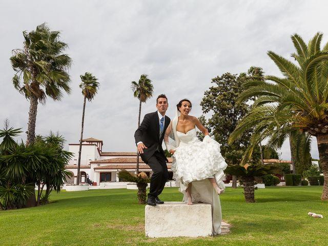 La boda de Jose Miguel y Isabel en Tomares, Sevilla 98