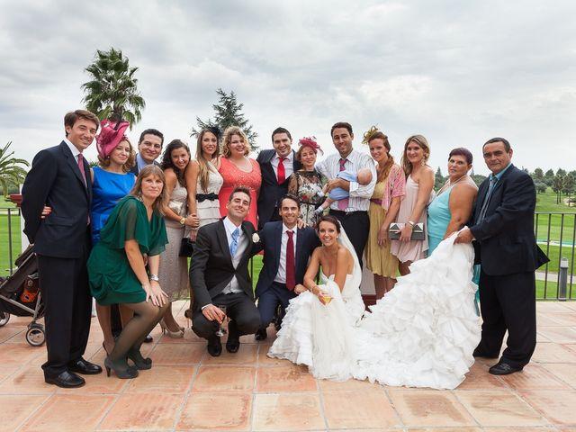 La boda de Jose Miguel y Isabel en Tomares, Sevilla 108