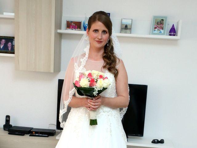 La boda de Manuel y Esperanza en Tabernes Blanques, Valencia 43