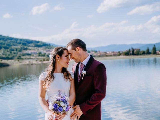 La boda de Kike y Marta en Villaverde Del Monte, Soria 1