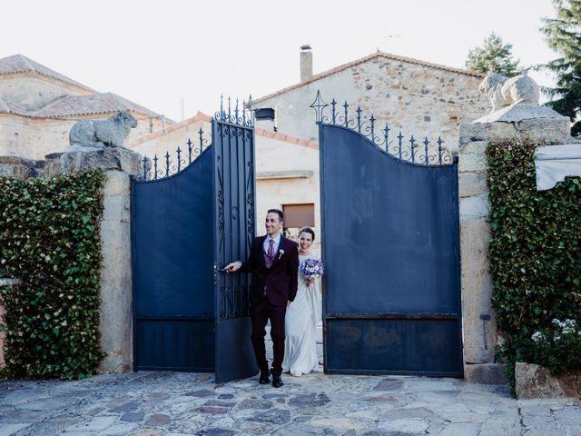 La boda de Kike y Marta en Villaverde Del Monte, Soria 25