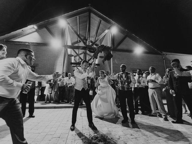 La boda de Nazaret y Larissa en Argamasilla De Alba, Ciudad Real 31