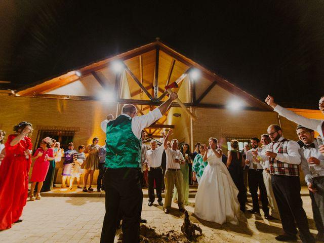 La boda de Nazaret y Larissa en Argamasilla De Alba, Ciudad Real 32