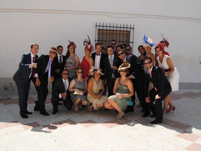 La boda de María Belén y Pedro en Santa Marta De Los Barros, Badajoz 13