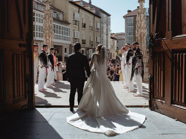 La boda de Neil y Raquel en Burgos, Burgos 25