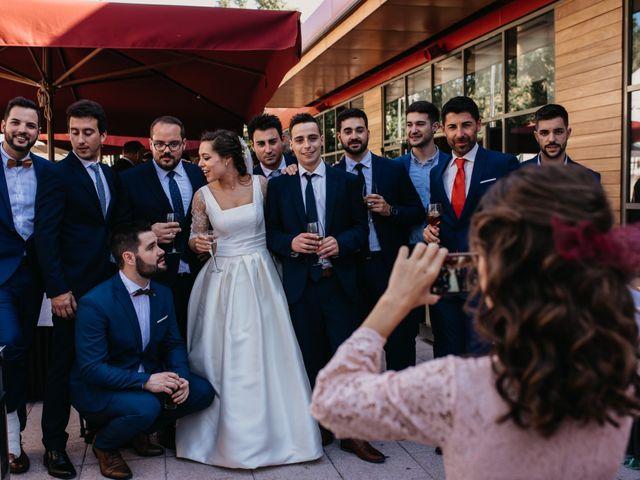 La boda de Neil y Raquel en Burgos, Burgos 34