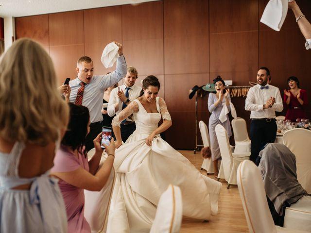 La boda de Neil y Raquel en Burgos, Burgos 37