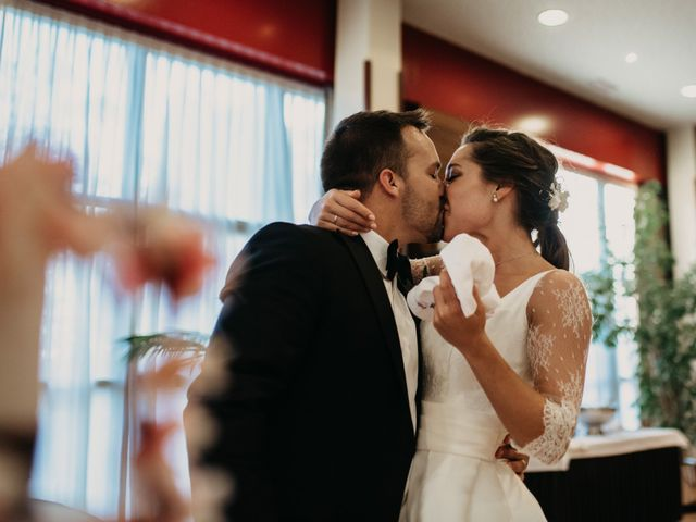 La boda de Neil y Raquel en Burgos, Burgos 45