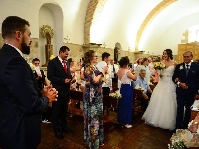La boda de Abiguei y André en Navalmoral De La Mata, Cáceres 25