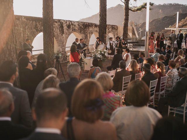 La boda de Jonas y Isabel en Cruz De Tejeda, Las Palmas 32
