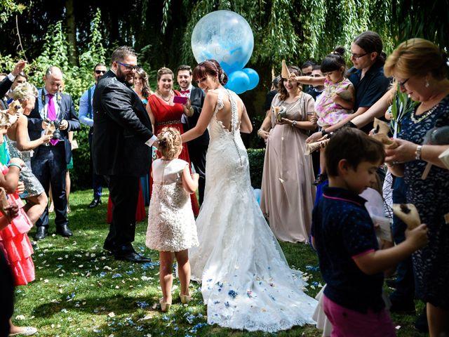 La boda de Toño y Vero en Carrizo De La Ribera, León 18