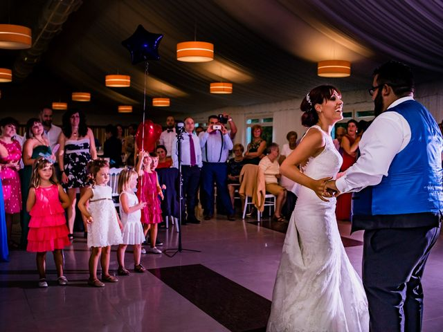 La boda de Toño y Vero en Carrizo De La Ribera, León 27