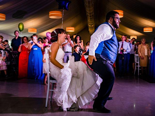 La boda de Toño y Vero en Carrizo De La Ribera, León 33