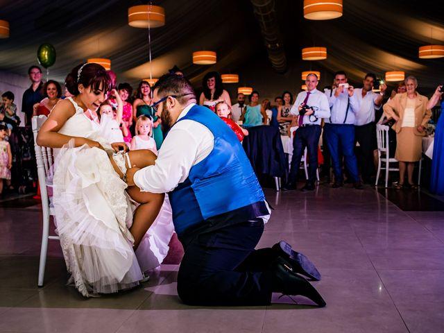 La boda de Toño y Vero en Carrizo De La Ribera, León 35