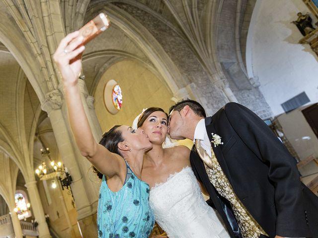 La boda de Javier y Sonia en Burgos, Burgos 25