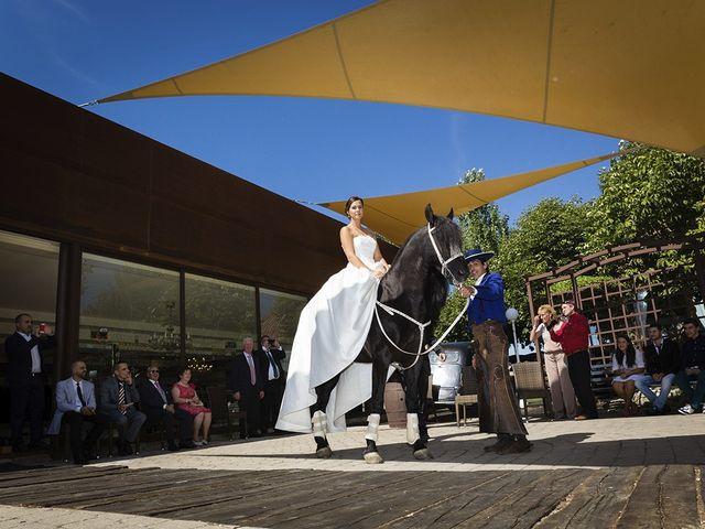 La boda de Javier y Sonia en Burgos, Burgos 38