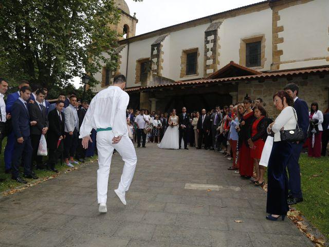 La boda de Borja y Iratxe en Santa Maria De Getxo, Vizcaya 9
